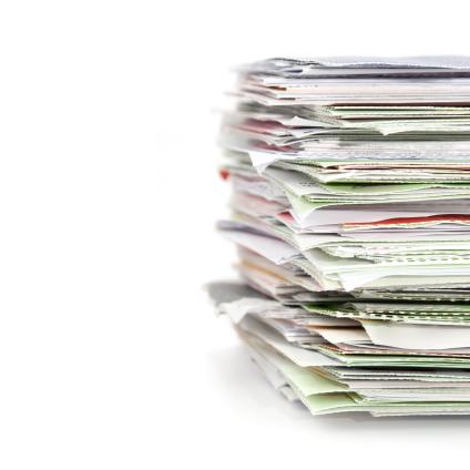 Descarte e reciclagem de papel em escritório sustentabilidade
